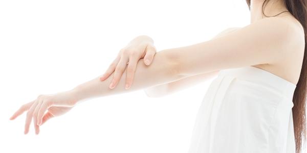 女の人の腕